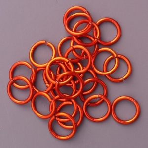 "100 ct. 16 ga Orange Anodized Aluminum 1/4"" Links"